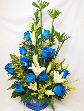 Rosas azul con lirio