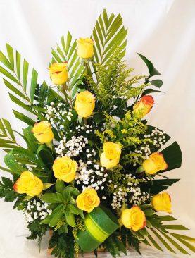 Arreglo de 12 rosas amarillas